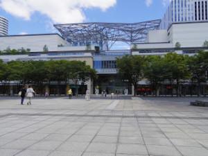横浜美術館と並行してあるのが 最近オープンした「MARK IS みなとみらい」