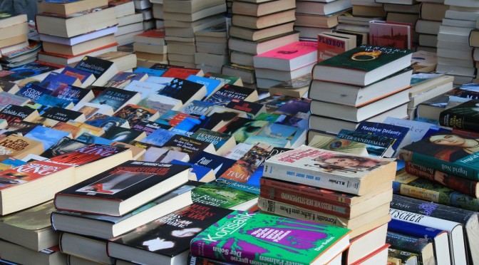 書店に椅子は必要ですか?